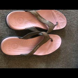 Women's crocs Sandals pink brown size 8